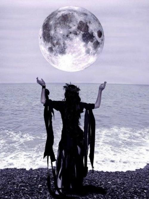ef4a7c8f6a5fe92e2a23666227e18b73--witchcraft-magick